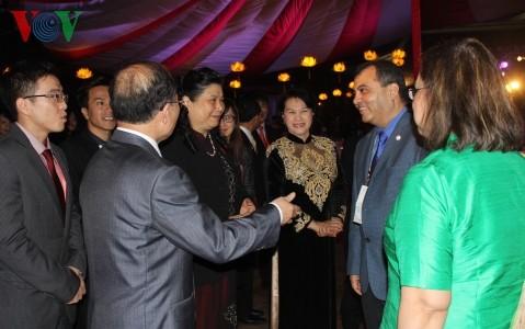 Top legislator hosts banquet for IPU executive committee - ảnh 2