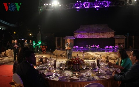 Top legislator hosts banquet for IPU executive committee - ảnh 1