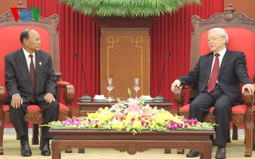 Party leader, President receive Cambodia's National Assembly speaker - ảnh 1