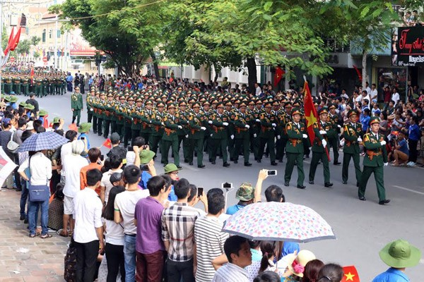 Meeting marks Vietnam's 70th National Day - ảnh 6