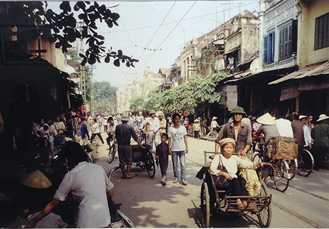 Photography Exhibition: Vietnam in the 80s - ảnh 2