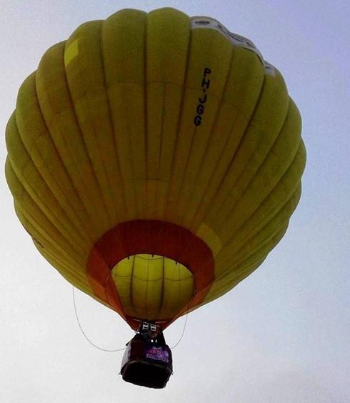 Trial flight anticipating air balloon festival in Thua Thien-Hue - ảnh 1