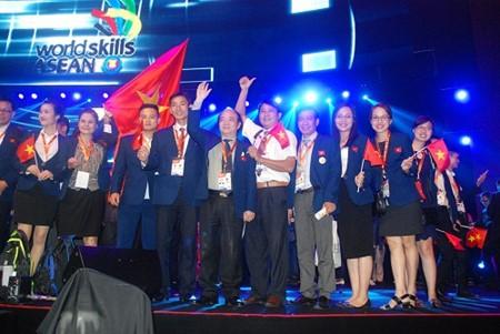 越南代表团参加马来西亚第11届东盟职业技能大赛 - ảnh 1