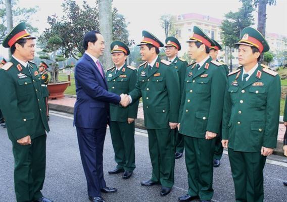 越南国家主席陈大光在海防市拜年 - ảnh 1