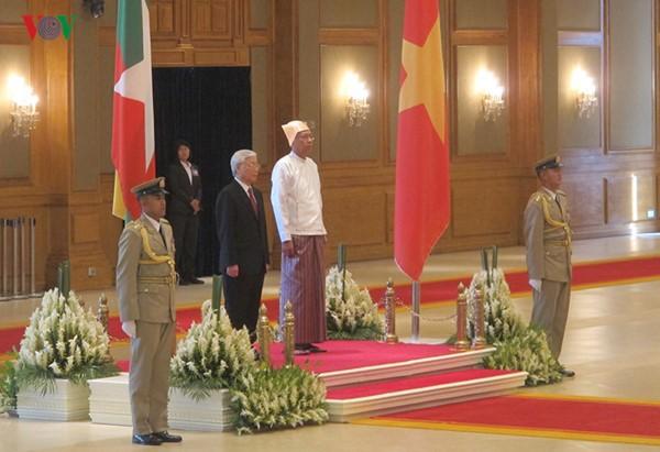 阮富仲圆满结束对印度尼西亚的正式访问和对缅甸的国事访问 - ảnh 1