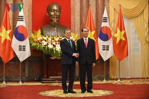 越南和韩国一致同意进一步深化和夯实两国战略伙伴关系 - ảnh 1