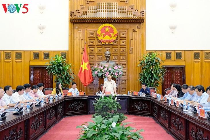 越南政府总理阮春福与广义省领导人举行工作座谈会 - ảnh 1
