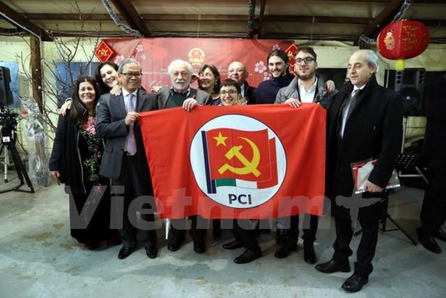 越南出席意大利共产党第一次全国代表大会 - ảnh 1
