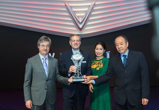 "VinFast在巴黎车展上被授予""新星""称号 - ảnh 1"