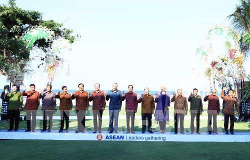 阮春福出席IMF-WB年会期间举行的东盟领导人见面会 - ảnh 1