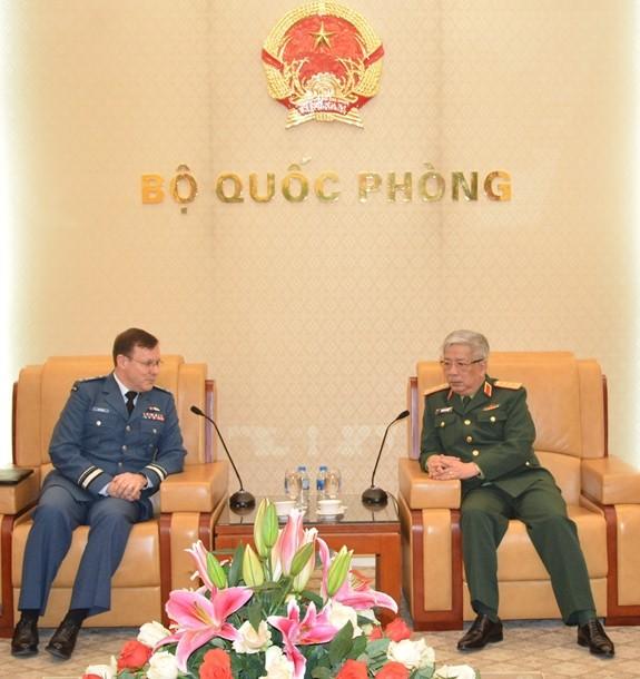 越南和加拿大加强防务关系 - ảnh 1
