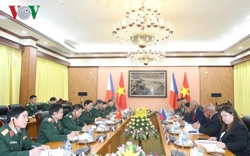 进一步推动越南和菲律宾防务关系 - ảnh 1