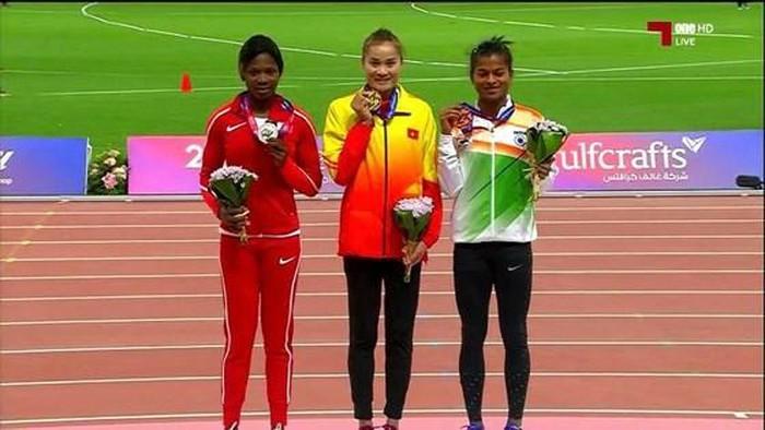 越南选手郭氏兰在亚洲田径锦标赛女子400米栏的比赛中夺得金牌 - ảnh 1