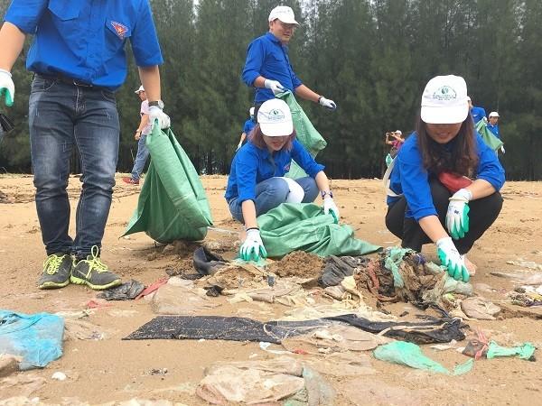为了环境限制塑料垃圾行动月启动 - ảnh 1