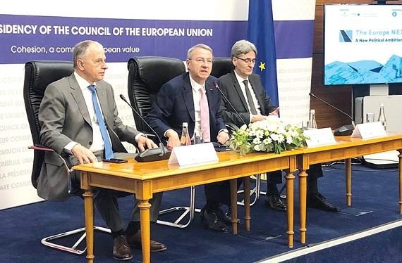 欧盟外长会议在卢森堡举行 - ảnh 1