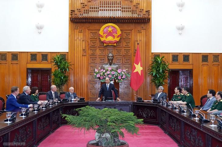 越南政府总理与胡志明主席遗体保护工作医学科学委员会举行座谈 - ảnh 1