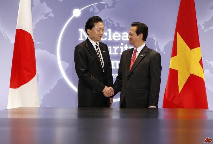 Premier Dung empfängt Vorsitzenden der Parlamentariergruppe Japan-Vietnam - ảnh 1