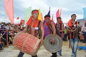 Übermittlung des Gong-Musikinstruments an junge Generation im Dorf Mo Hra - ảnh 1