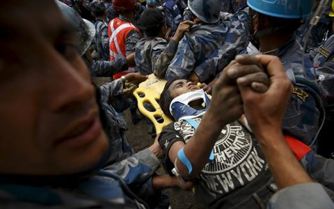Familie der Todesopfer des Erdbebens in Nepal erhält 1000 US-Dollar  - ảnh 1