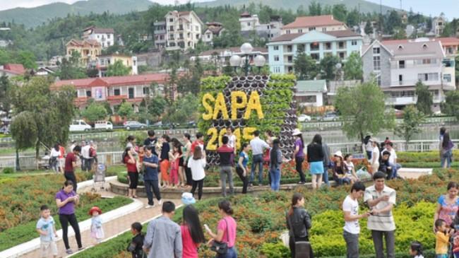 Eröffnung der Tourismus-Woche in Sapa 2015 - ảnh 1