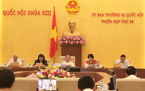 Ständiger Ausschuss des Parlaments diskutiert Entwurf des geänderten Zivilgesetzbuches - ảnh 1