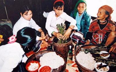 Hochzeitsbräuche der Volksgruppe Van Kieu - ảnh 1
