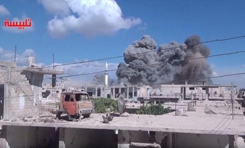 Russische Luftwaffe zerstört wichtige Einrichtungen des IS in Syrien - ảnh 1