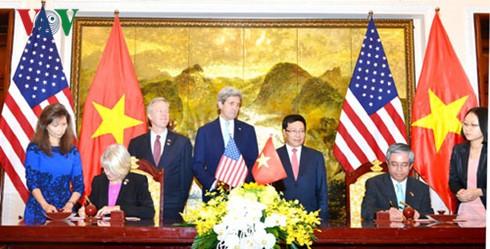 Außenminister Pham Binh Minh trifft US-Amtskollegen John Kerry - ảnh 1
