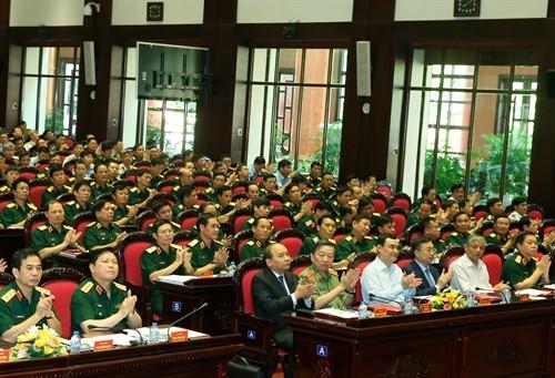 Premierminister Nguyen Xuan Phuc nimmt an politisch-militärischer Konferenz der Armee teil - ảnh 1
