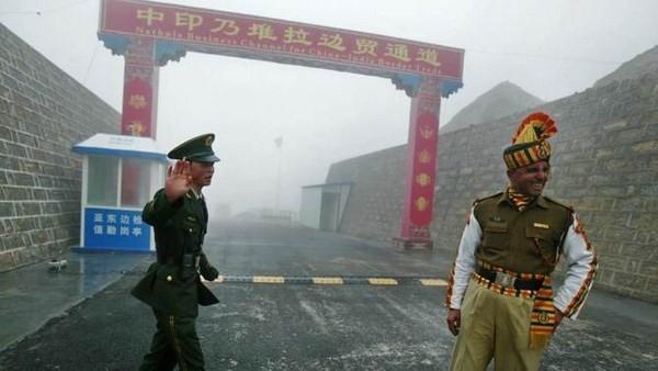 China und Indien wollen Verhandlungen über gemeinsame Grenze fördern - ảnh 1