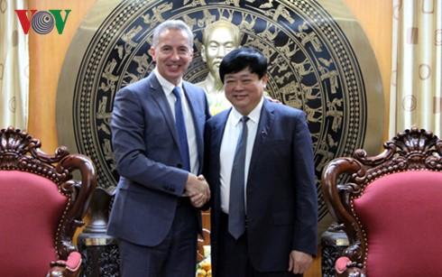 Die Stimme Vietnams will mit dem Radio- und Fernsehsender der Slowakei zusammenarbeiten - ảnh 1