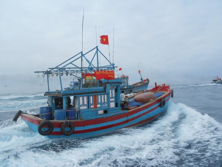 Fischer aus Zentralvietnam fahren nach Truong Sa - ảnh 1