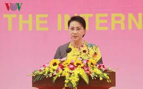 Parlamentspräsidentin Nguyen Thi Kim Ngan empfängt myanmarischen General Min Aung Hlaing - ảnh 1