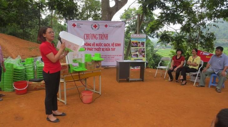 Aufklärung über Hygiene- und Sanitärmaßnahmen für Anwohner in Lang Son und Cao Bang - ảnh 1