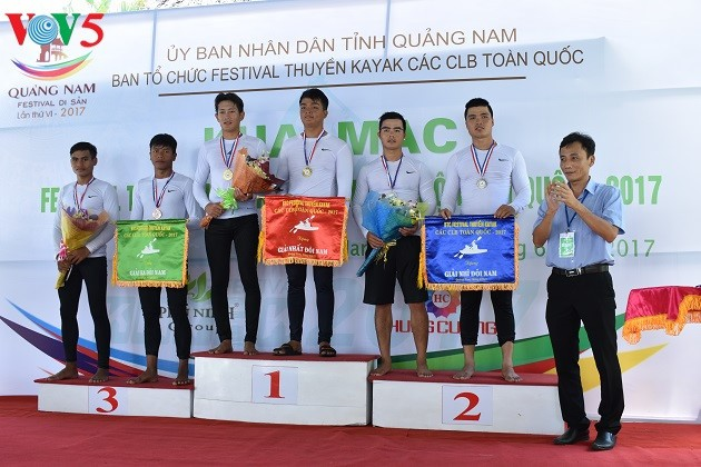Kajakrennen im Phu Ninh-See - ảnh 12