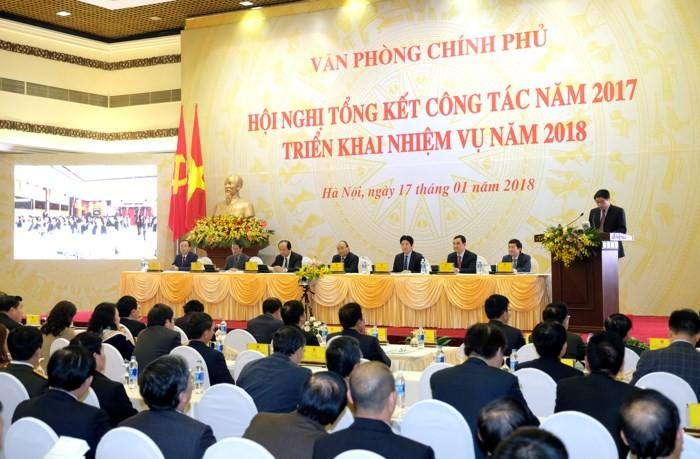 Premierminister Nguyen Xuan Phuc nimmt an Bilanzkonferenz des Regierungsbüros teil - ảnh 1