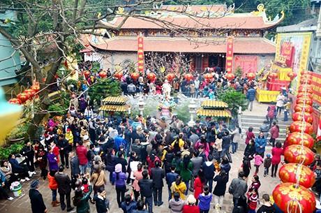 Pagodenbesuch, traditionelle Kultur der Vietnamesen - ảnh 1