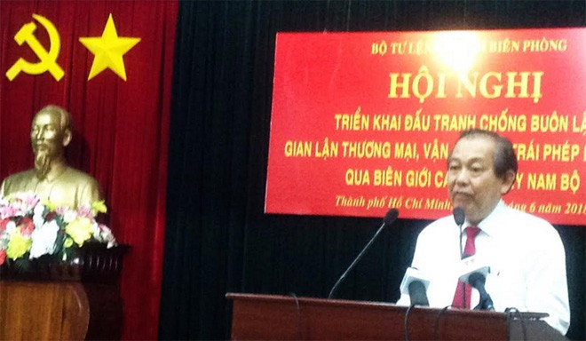 Vizepremierminister Truong Hoa Binh über Kampf gegen illegalen Grenzhandel im Südwesten - ảnh 1