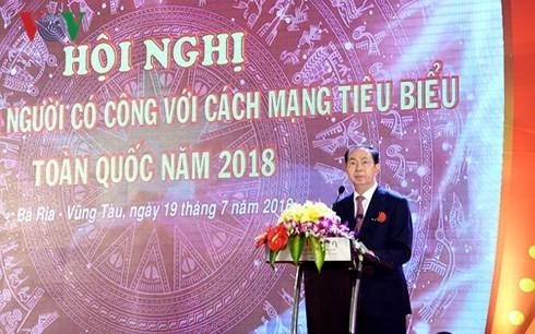 Staatspräsident Tran Dai Quang: Notwendige Begünstigung für Menschen mit Verdiensten - ảnh 1