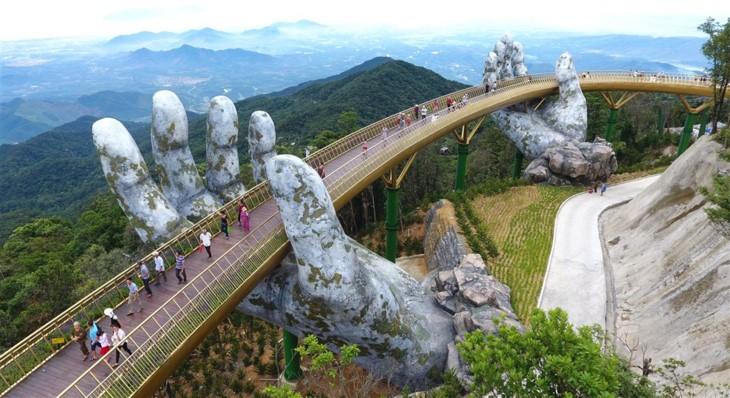 Cau Vang (Goldene Brücke) – Ein Bauwunder in Ba Na Hills - ảnh 3