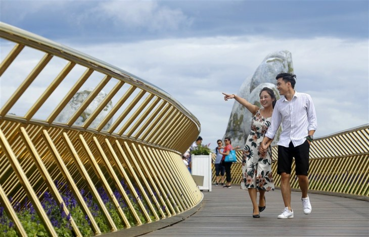 Cau Vang (Goldene Brücke) – Ein Bauwunder in Ba Na Hills - ảnh 4