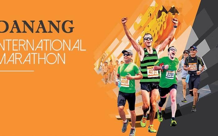 Mehr als 7. 000 Menschen nehmen am internationalen Marathonin Danang teil - ảnh 1