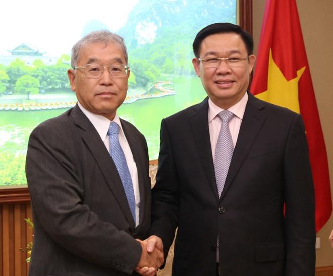 Vizepremierminister Vuong Dinh Hue empfängt Vizevorsitzenden des Konzerns Mitsubishi - ảnh 1