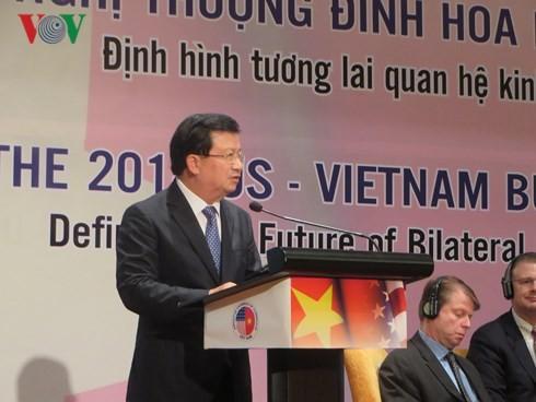 Vizepremierminister Trinh Dinh Dung empfängt Vertreter der großen US-Unternehmen - ảnh 1