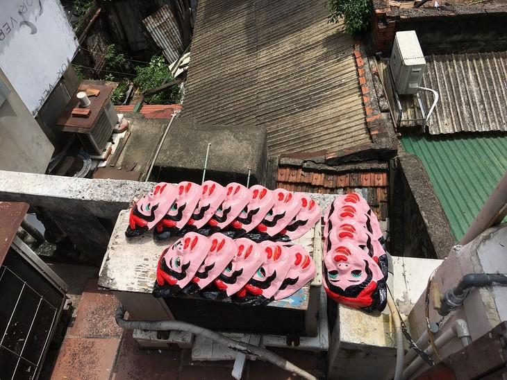 Letzte Familie in Hanoi, die Masken aus Boi-Papieren herstellt - ảnh 14