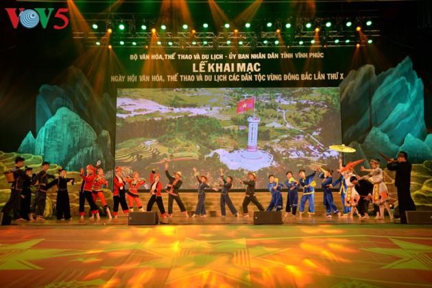 Eröffnung des Festivals der Kultur, des Sports und des Tourismus der verschiedenen Volksgruppen im Nordosten Vietnams - ảnh 11