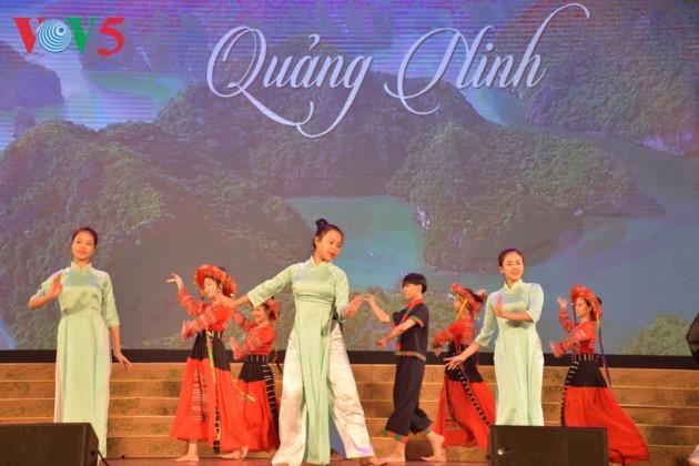 Eröffnung des Festivals der Kultur, des Sports und des Tourismus der verschiedenen Volksgruppen im Nordosten Vietnams - ảnh 13
