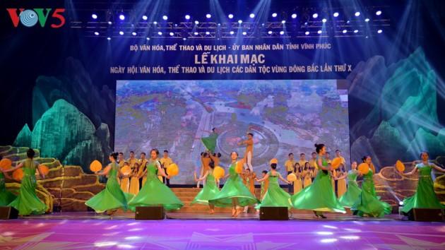 Eröffnung des Festivals der Kultur, des Sports und des Tourismus der verschiedenen Volksgruppen im Nordosten Vietnams - ảnh 19