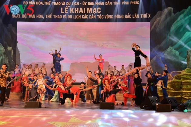 Eröffnung des Festivals der Kultur, des Sports und des Tourismus der verschiedenen Volksgruppen im Nordosten Vietnams - ảnh 1