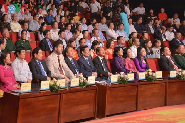 Eröffnung des Festivals der Kultur, des Sports und des Tourismus der verschiedenen Volksgruppen im Nordosten Vietnams - ảnh 2